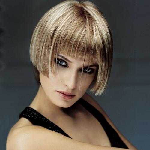 Можно поэкспериментировать с мелированием волос.  Помните, что крупное мелирование дает реальный дополнительный объем...
