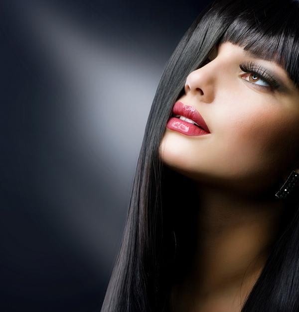 красивых девушек брюнеток