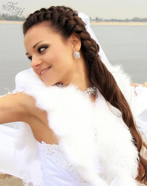 и Свадебный салон Каприз невесты предоставляют скидку 60% на вечерний (свадебный) макияж и
