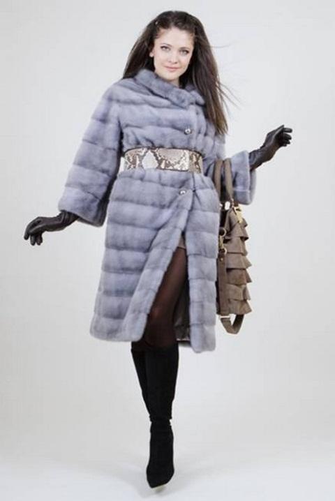 Меховое норковая шуба-пальто из шикарной голубой норки.
