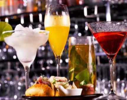 ...напитки и коктейли бара Barocco!  Скидка на все барное меню!